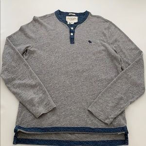 Abercrombie and Fitch men crewneck size M grey